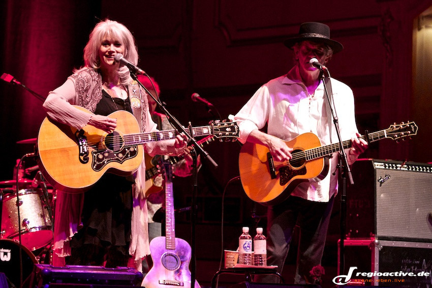 Emmylou Harris & Rodney Crowell (live in Hamburg, 2013)